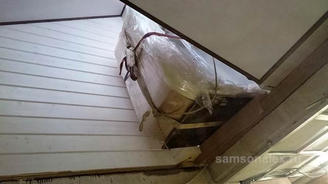 Заносим джакузи через крышу