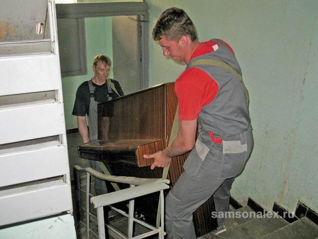 Поднимаем пианино на этаж